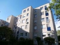 Békásmegyeren 1 szobás GARZON panel lakás eladó!